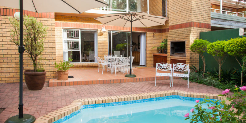 Feather Nest Guest House Outdoor Patio With Pool